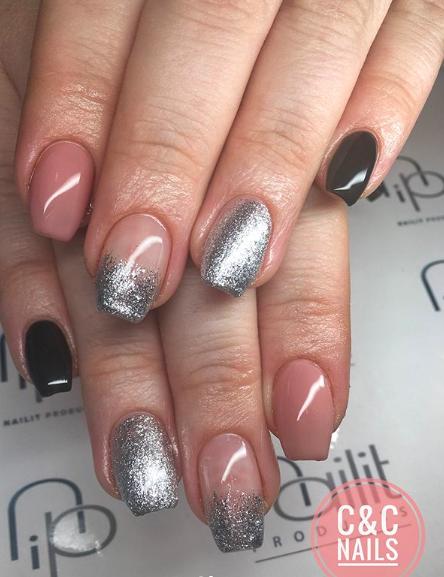 acrylnagels-mixed-nails